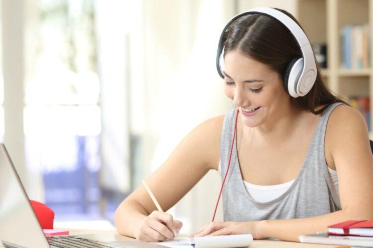 Manfaat mendengarkan musik untuk kesehatan